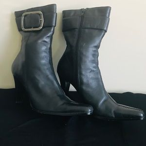 """🎉Must Go🎉  Bakers """"Daisy"""" Black Leather Boots"""
